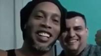 """Ronaldinho deelt video uit de gevangenis: """"Straks gaan we weer samen voetballen"""""""