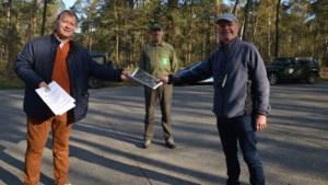 """Domeineigenaar stelt 3,6 kilometer privébospaden open voor wandelaars: """"Plek waar je normaal niet mag komen"""""""