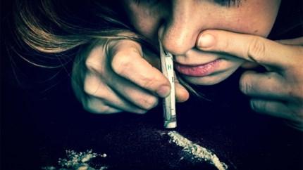 Man verstopt 13 pakjes cocaïne in onderbroek