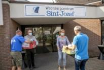 KWB schenkt lading paaseieren aan woonzorgcentrum