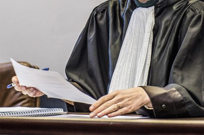 Oplichter die zich uitgaf voor advocaat krijgt twee jaar cel