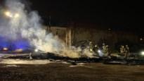 Brand in Antwerpse slachthuisbuurt: vlammen laaien hoog op
