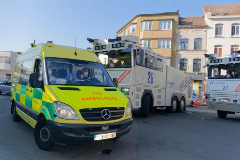 Bijna honderd arrestaties bij rellen in Anderlecht, gestolen politiewapen nog niet gevonden