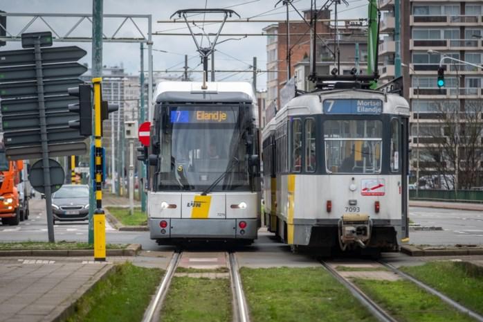 """Reizigers vragen inspraak in beleid rond openbaar vervoer: """"Met plannen van De Lijn halen we doelstelling niet"""""""