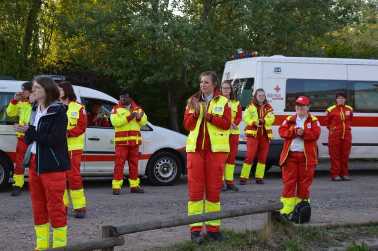 Hulpverleners geven eerbetoon aan helden AZ Sint-Jozef