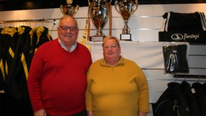 """Adhémar en Cecile hielden meer dan dertig jaar fanshop van Sporting Lokeren open: """"Afscheid doet pijn"""""""