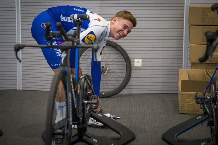 """Remco Evenepoel maakt zondag zijn debuut in de Ronde... op rollen: """"Ik heb het parcours al verkend en ben wel geschrokken"""""""