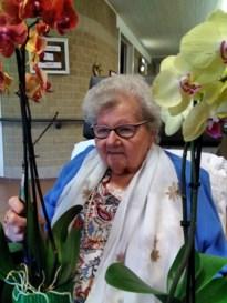 Toch een glaasje cava in het woonzorgcentrum: Jeanne viert 106de verjaardag