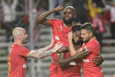 Antwerp maakt volop werk van volgend seizoen: twee grote namen weg, Mbokani en Defour willen graag blijven
