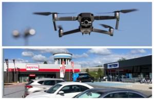 """Winkelcentrum zet drone in om shoppers te begeleiden: """"Efficiënter dan mensen op de grond"""""""