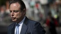 """De Wever gelooft niet meer in nieuwe regering, maar ook niet in verkiezingen: """"Het kreupele paard zal moeten verder draven"""""""