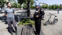 """BUURTREPORTAGE. Op het Sint-Jansplein met straathoekwerker Sulliman: """"Zelfs Bart De Wever zegt dat wij hier mogen zitten"""""""