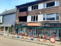 Veldstraat blijft afgesloten na zware brand zondagavond, pand nachtwinkel moet onderstut worden