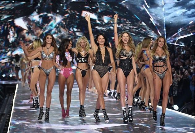 Grote baas van Victoria's Secret verlaat bedrijf na jaren van kritiek