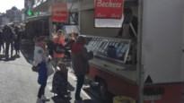 Uitbaters niet-voedingskramen spreken beurtrol af bij heropende woensdagmarkt
