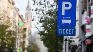 Automobilist kan parkeerticket voor één of vier weken nemen