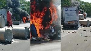 E34 dicht in beide richtingen ter hoogte van Mol-Postel na ongeval met brandende vrachtwagen