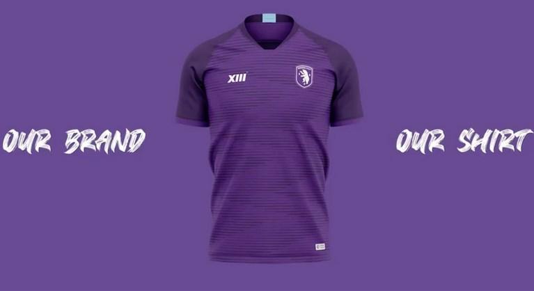 Beerschot stelt nieuwe shirt voor