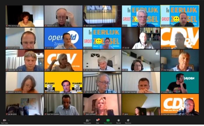 Eerste gemeenteraad via livestream trekt drie keer meer geïnteresseerden
