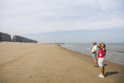 Op bezoek in Blankenberge: lege stranden, lege hotels en een Titanic-tafel