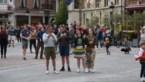 """1.000 mensen dansen op plein in Dendermonde: """"Niet goed te praten"""""""