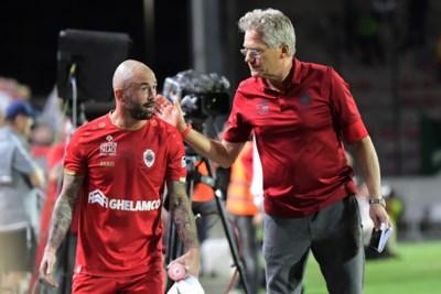 """Antwerp-spelers nemen afscheid van Bölöni: """"Ongezien hoe 'de Laszlo' met ons in de jacuzzi kroop"""""""