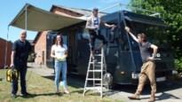 Vzw verbouwt vipwagen voor veldritfans tot ontmoetingshuis voor 'zorgmijders'