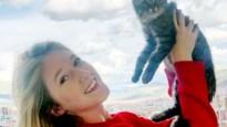 """Selena hoopt nog dat katje naar Peru kan: """"Lee heeft geen hondsdolheid, anders was hij al dood geweest"""""""
