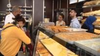 Moslims vieren Suikerfeest in beperkte kring