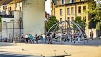 """Antwerpse jongeren: """"Het pleintje is voor ons wat voor de rijken in Brasschaat hun tuin is"""""""