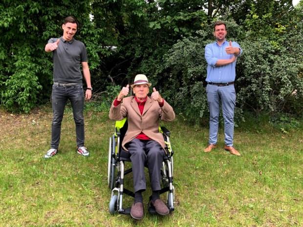 'Sooike' (87) krijgt gloednieuwe rolstoel na misverstand in kringloopwinkel
