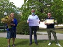 Tuinwijkvrienden schenken Heilig Hart-ziekenhuis 3.000 euro