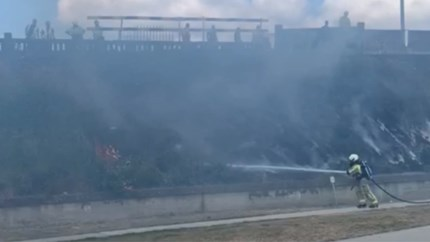 """Kleine bermbrand aan Park Spoor Noord: """"Waakzaam zijn door droogte"""""""
