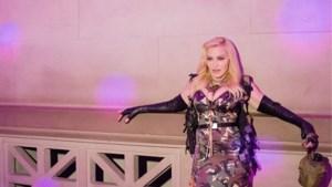 Madonna deelt nieuwe naaktfoto en pareert op voorhand al kritiek