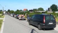 Nog steeds honderden meters aanschuiven voor recyclagepark Geel