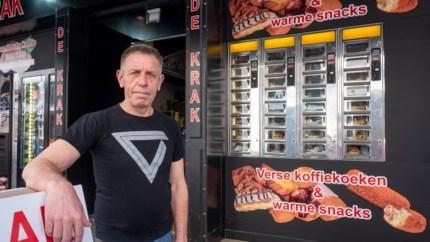 """'Kroket uit de muur' in Antwerpse Hoogstraat: """"Als de Nederlanders terugkomen, bakken we tot 's nachts"""""""
