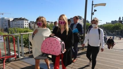 Op 5 juni uitspraak over katje Lee, Selena Ali met speciaal mondmasker aan Vlinderpaleis