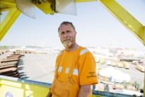 """Frank (59) is al bijna veertig jaar dokwerker: """"Ik geef gas om mijn werk gedaan te krijgen, maar risico's pakken? Nooit"""""""