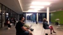 Mondmaskers, handgel, 2 meter afstand, politie: negen Mallenaren hebben het er tóch voor over om hun raadsleden live te zien