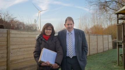 """Actiegroep Betere Buurt Puurs verzet zich tegen nieuwe windmolen Novartis: """"Drie keer hoger dan de kerktoren van Puurs"""""""