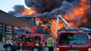 Inwoners Mol, Arendonk en Lommel moeten ramen en deuren sluiten door Nederlandse brand