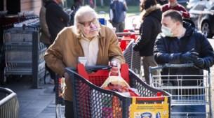 Kwart Vlamingen boos op mensen die zonder mondmasker winkelen