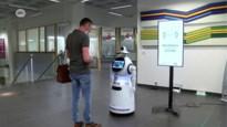 Robot meet koorts en controleert op mondmasker in UZA
