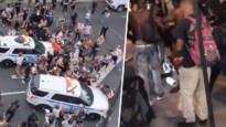 Rellen in VS worden steeds erger: politie rijdt betogers omver in New York