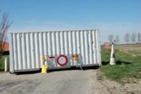 Grens oversteken mag weer, maar barricades aan landbouwwegen voorlopig nog niet weggehaald