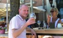 Nederlandse terrassen in enclave Baarle half uur na opening al volzet