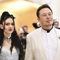 Grimes en Elon Musk bedenken nu toch alternatief voor onmogelijke naam van zoontje