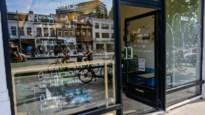 Op gedichtenjacht in Deurne: wandeling langs 100 stukjes 'raampoëzie'