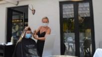 Kapper zoekt terras op: Ibizavibes terwijl kapper corona-uitgroei fatsoeneert