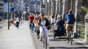 Fietsgebruik blijft stijgen in het Antwerpse: aandeel auto in woon-werkverkeer daalt naar helft
